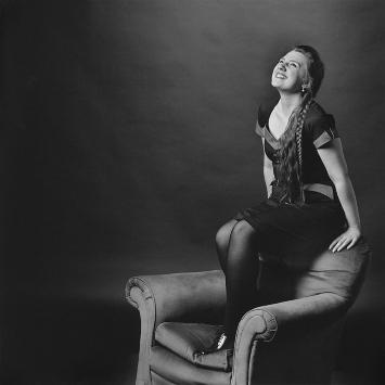 Catherine Simard et fauteuil, 2016